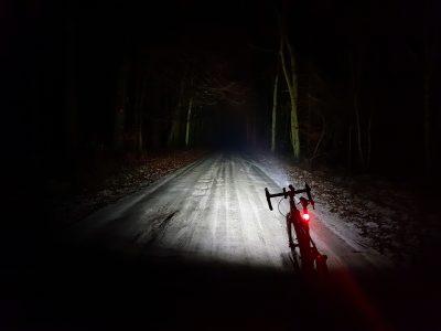 Czarodziej z wikingiem oświetlali mi drogę… Armytek Wizard + Viking jako oświetlenie rowerowe.