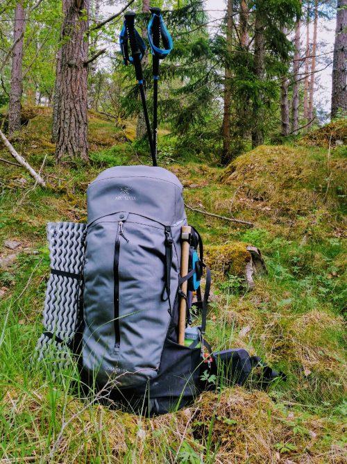 Jak przygotować plecak na szlak – pakowanie i regulacja