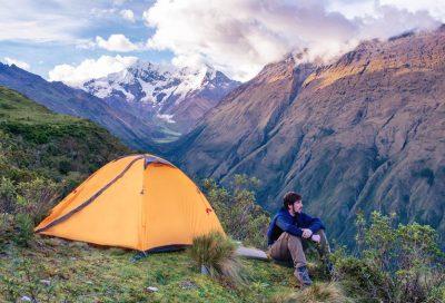 Jak wybrać odpowiedni namiot turystyczny?