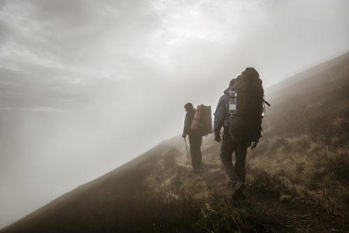 Burza w górach – jak się bezpiecznie zachować?